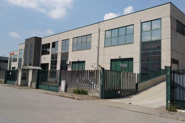 Assago (MI) affitto ufficio di mq. 450