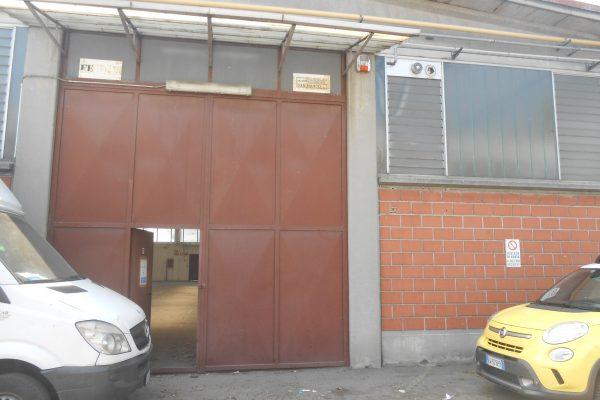 Rozzano (MI) vendesi capannone di Mq. 550