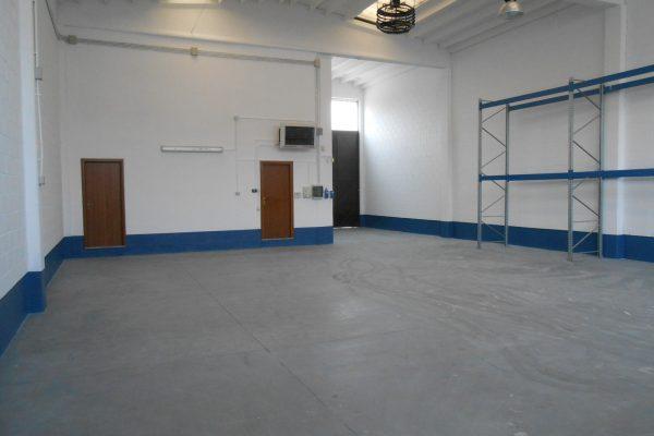 Pieve Emanuele (MI) affittasi capannone con uffici di Mq. 290