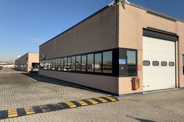 Assago (MI): affittasi capannone di mq. 270