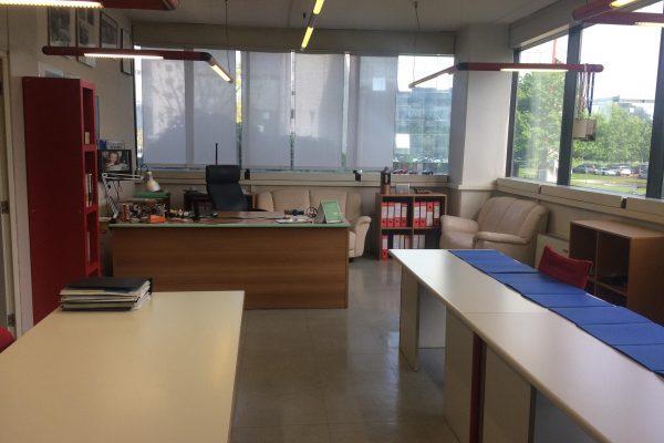 Rozzano (MI): Centro Direzionale Milano Fiori affittasi ufficio di mq. 320