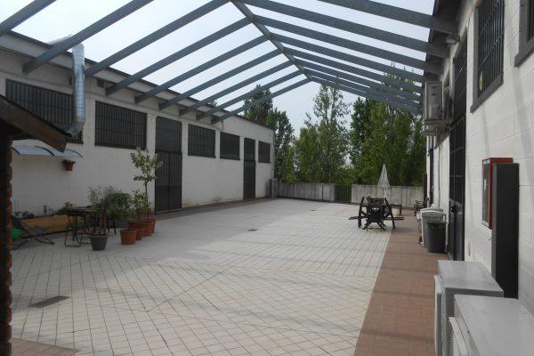 Rozzano (MI) affittasi /vendesi capannone mq. 150 al piano 1