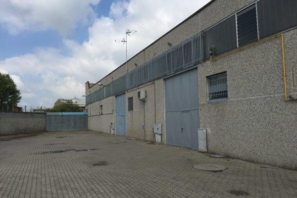 Zibido San Giacomo (MI) affittasi capannone