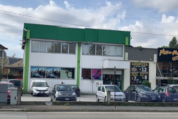 Rozzano (MI) affittasi locale commerciale