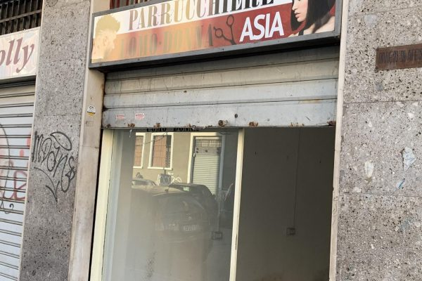 Vendesi Negozio commerciale Mq. 30 Milano