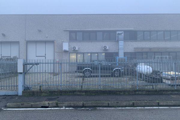 Zibido San Giacomo (MI) vendesi Capannone Mq. 400