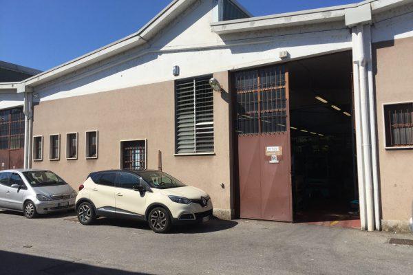 Rozzano (MI) vendesi capannone Mq. 380