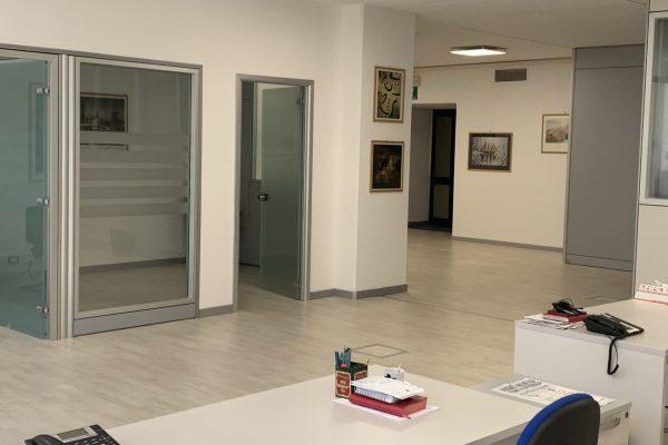 Vendesi ufficio in Assago