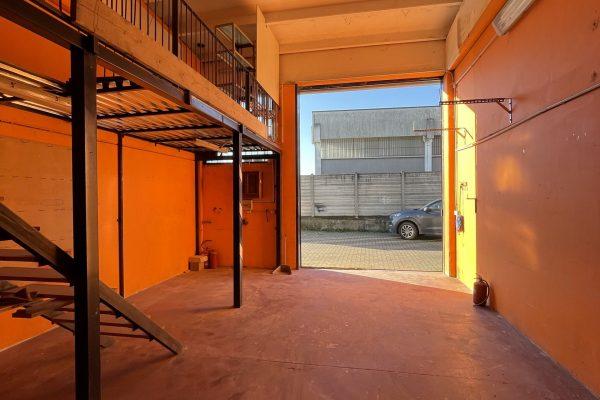 Pieve Emanuele (MI) affittasi capannone Mq. 50