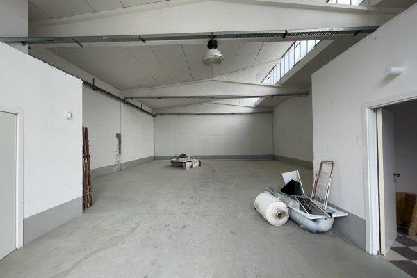 Rozzano (MI) affittasi capannone
