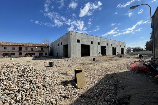 Rozzano (MI) affittasi complesso Industriale / artigianale Mq. 2850